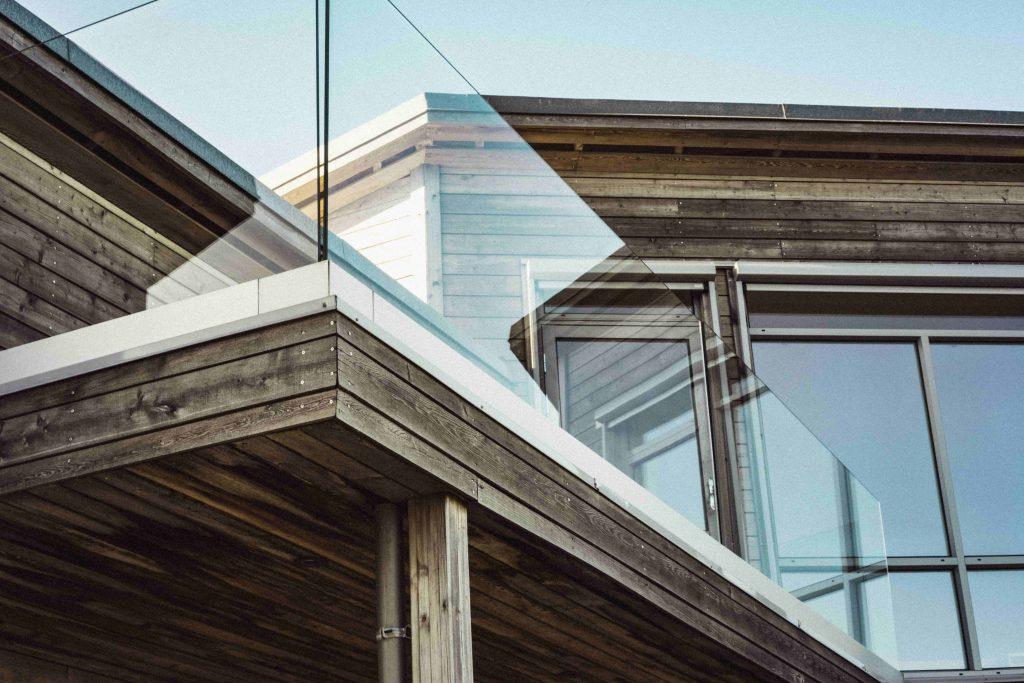 détail d'une maison en bois moderne