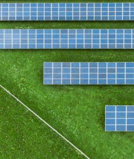 Champ de panneaux photovoltaîques